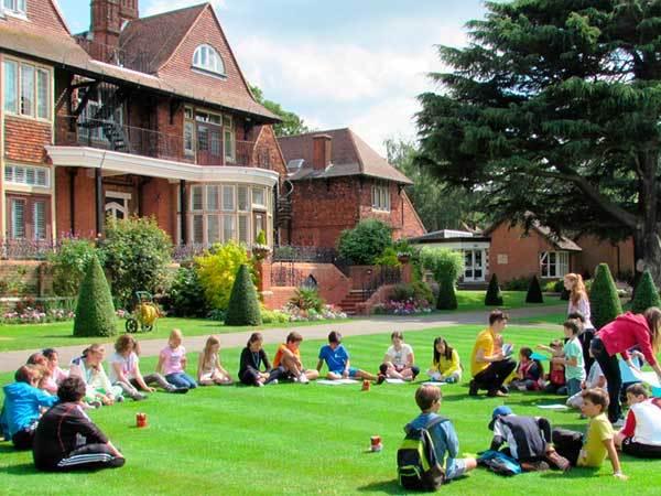 cursos de verano para niños Inglaterra Marymount ASTEX