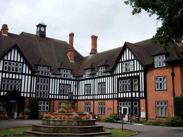 cursos de verano para niños Inglaterra Queenswood ASTEX