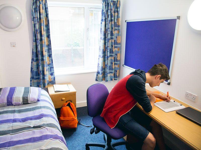 Frensham-Reino-Unido-curso-de-ingles-ASTEX-5
