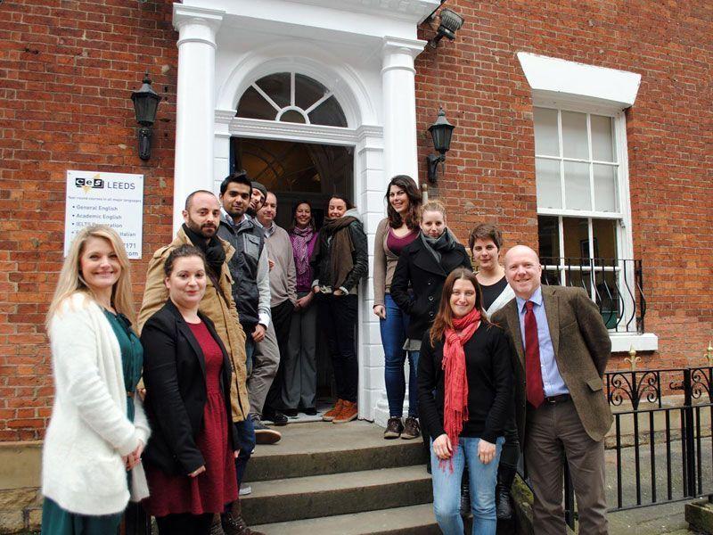 Leeds-CES-Reino-Unido-curso-de-ingles-ASTEX-2