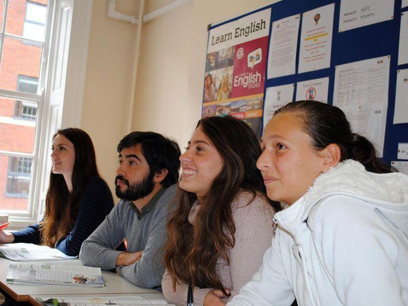 Leeds-CES-Reino-Unido-curso-de-ingles-ASTEX-3