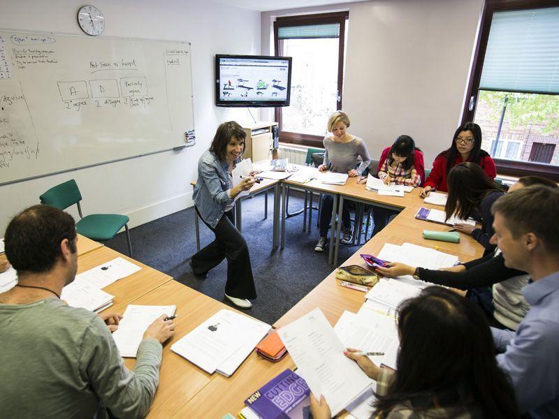 Londres-LSE-ReinoUnido-curso-de-ingles-ASTEX-5