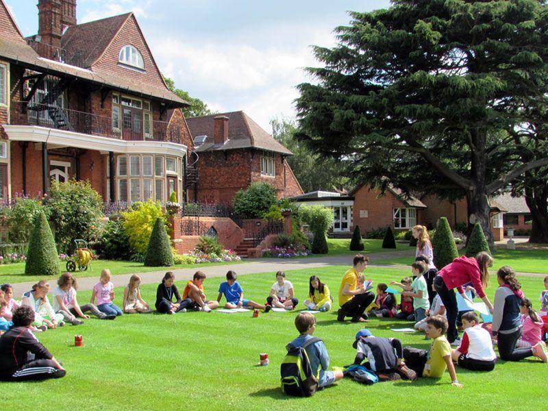 Marymount-Reino-Unido-curso-de-ingles-ASTEX 1