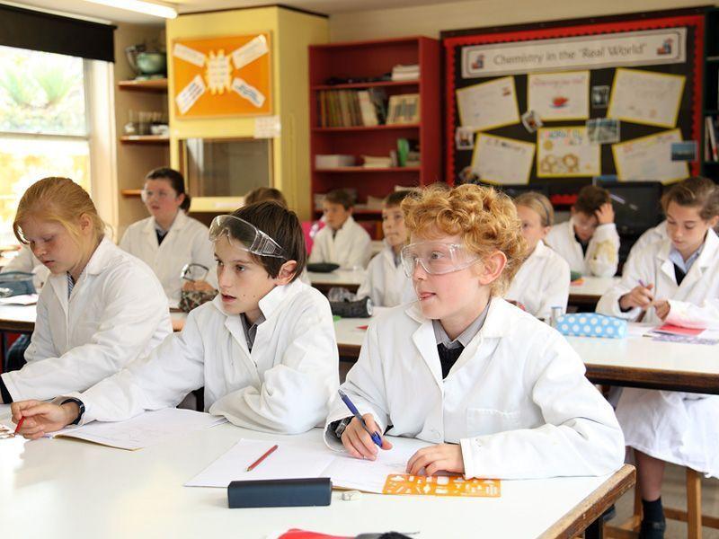 año escolar trimestre en Reino Unido ASTEX