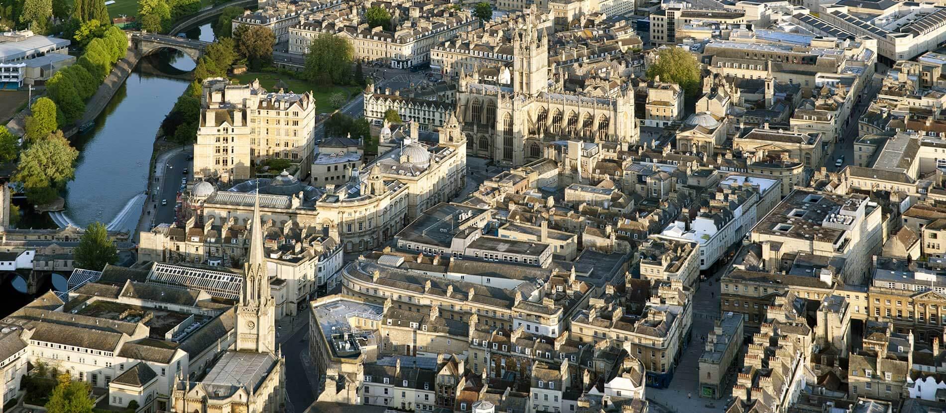 curso-de-ingles-para-adultos-en-Reino-Unido-Bath-Academy-ASTEX